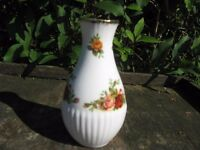 Royal Albert Old Country Roses Miniature vase Immaculate condition