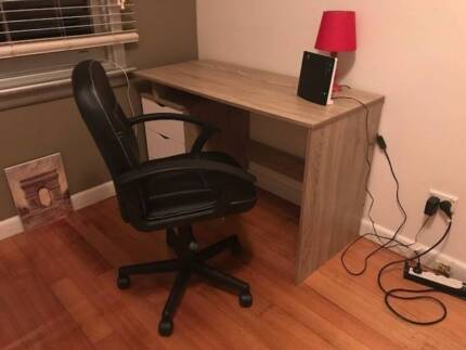 Brand new desk with a computer chair - PERFECT CONDITION