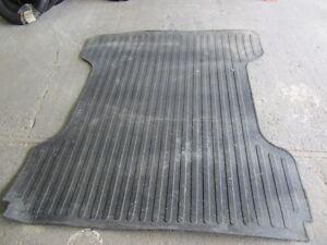 6-1/2 foot rubber bed liner