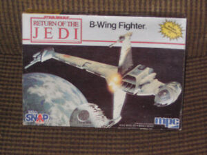 Vintage 1983 MPC scale model of B-wing fighter from Star Wars VI