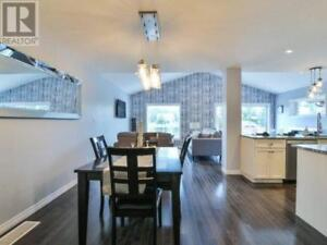 FOR RENT: LUXURY 4 BED,  2.5 BATH DETACHED HOUSE IN GUELPH
