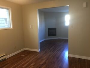 2 BEDROOM***PRIME LOCATION NEAR OXFORD AND RICHMOND*** London Ontario image 4