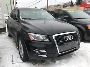 2011 Audi Q5 2.0L Premium Plus Black! Clean Title Mint Condition
