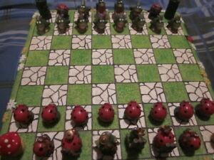 jeux d`echec  en figurine de grenouille