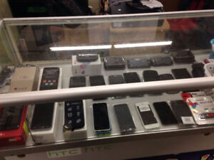 SAMSUNG,IPHONE,BLACKBERRY,LG UNLOCKED PHONES (1111 ELLICE AVE)