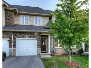 Beautiful Executive Townhome in Central Hamilton Mountain