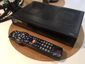 Rogers Cable DVR with Cables and Remote, Like New