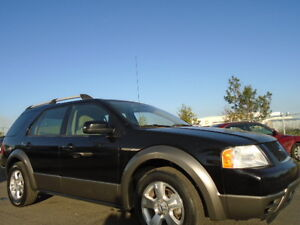 2007 Ford FreeStyle- 3.0L V6--AMAZING SHAPE -7 PASSENGERS