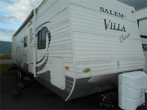 WOW!!! Salem 32' Trailer with Rear Bunk Room and 2 Slides!!!