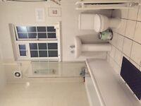 Single room: flat for share on Kilburn High Road