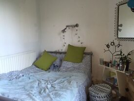 A nice double room in Clapham south, bills included free Wifi. Sharing with young professionals!