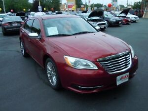 2012 CHRYSLER 200 LIMITED- SUNROOF, LEATHER INTERIOR, BLUETOOTH,