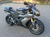 YAMAHA R1 1000 cc - IN GREAT CONDITION