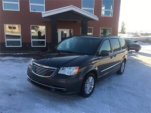 2015 Chrysler Town & Country Touring Leather