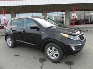 2014 Kia Sportage AWD LX Heated Seats,  Bluetooth,  A/C,