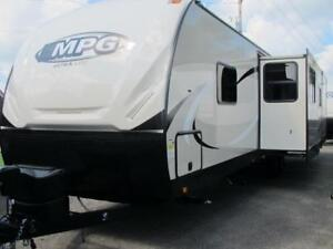 2018 MPG 3300BH-LARGE 3 SLIDE TOWABLE-ISLAND KITCHEN-KING BED!