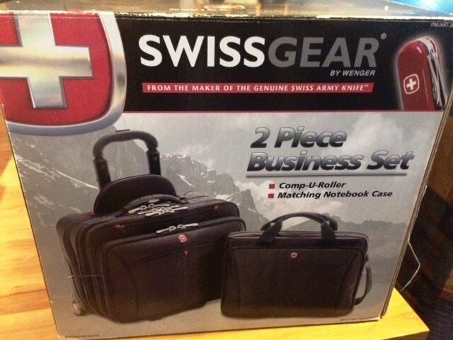 Carry-on / Cabin Bag / wheelie / 2-piece / Wenger / nearly-new & boxed