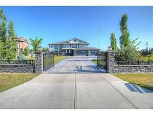Stunning HOME for SALE in SW Calgary **GREAT PRICE**CALL NOW***