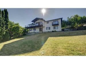 4 Beds/3 Baths Lake View House (Upper Level) in West Kelowna