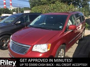 2013 Chrysler Town & Country Touring STARTING AT $147.40 BI-WEEK