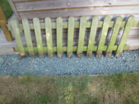 PICKET FENCING USED VARIOUS LENGTHS BEST QUALITY 27 FOOT IN TOTAL 2 foot high.