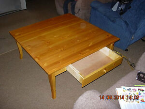 Coffee table for sale London Ontario image 3