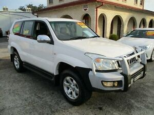 2004 Toyota Landcruiser Prado KZJ120R GXL (4x4) White 4 Speed Automatic Wagon South Nowra Nowra-Bomaderry Preview