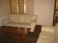 Cosy good size room good for students or professionals and close to center, Uni and hospital. £75p/w
