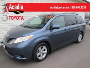 2015 Toyota Sienna LE 8-Passenger **FREE WINTER TIRES**