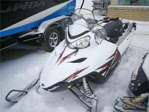 2010 POLARIS 800 SWITCH BACK 136 ROPE START LOW MILES !