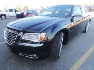 2014 Chrysler 300 AWD HEMI C Accident Free,  Navigation (GPS),