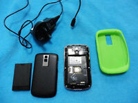 Virtually unused BLACKBERRY BOLD 9000 mobile phone & new battery, case, charger