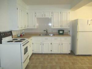 17-032 Bright lower flat.  Close to all amenities.