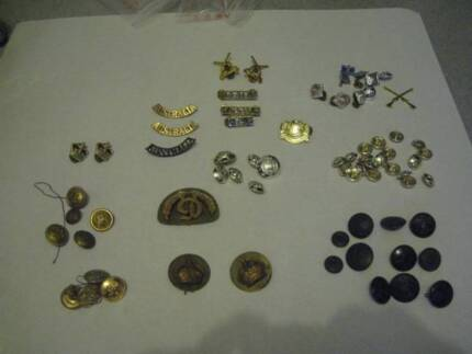 AUSTRALIAN ARMY BADGES+UNIFORM BUTTON AND OTHER 70 PIECES SALETHE Isaacs Woden Valley Preview