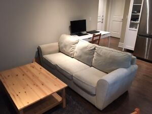 COUCH / SOFA BED/ HIDE A BED GREAT CONDITION! POSSIBLE DELIVERY!