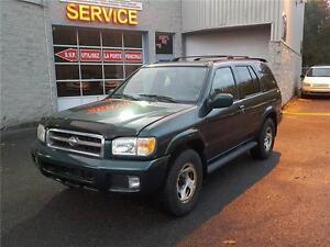2001 Nissan Pathfinder SE avec groupe cuir et pneus