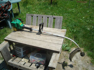 For Parts Or Repair: Weed Eater XT200 Gas Trimmer