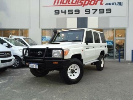 2011 Toyota Landcruiser VDJ76R 09 Upgrade Workmate (4x4) White Solid 5 Speed Manual Wagon Beckenham Gosnells Area Preview