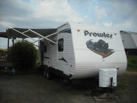REDUCED 2011 Prowler Travel Trailer