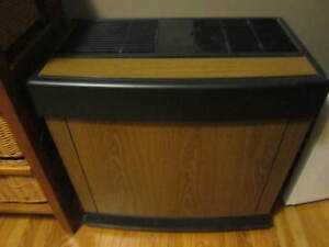Humidifier (with wood grain look) in great working order