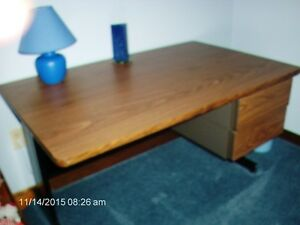 STEEL  DESK  FOR  SALE  WITH  ARBOURITE  TOP