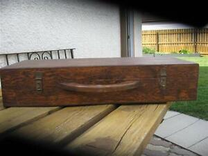 ANTIQUE WOODEN VIOLIN CASE
