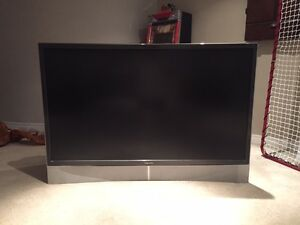 "Selling Barely Used Toshiba 62"" Cinema Series DLP (62MX195)"