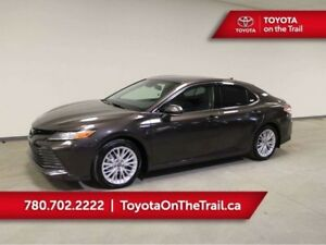 2019 Toyota Camry XLE HYBRID; SHOWROOM SPECIAL!! SUNROOF, LEATHE
