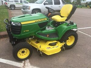 2014 John Deere X758 Lawnmower