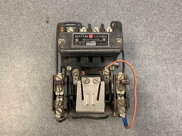 General Electric CR7006C 101-JL4 Size 1 Motor Starter