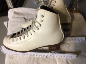 Girls/Ladies Figure Skates by Riedell - Size 4 (20)