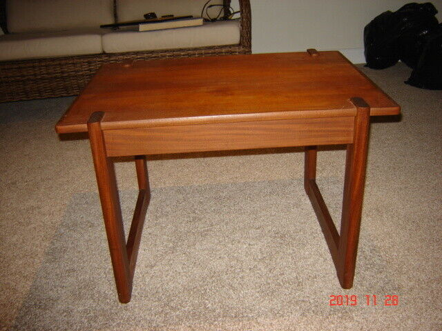 SOLID TEAK COFFEE TABLE | Coffee Tables | Fredericton | Kijiji