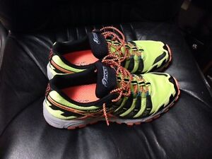 Asics Gel Fuji Attack 3 Running Shoes (USED)