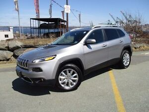 2016 Jeep CHEROKEE Limited 4X4 V6 with Navigation, LEATHER, PANO